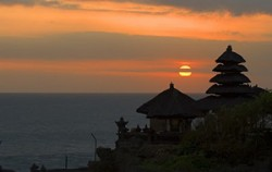 Sunset at Tanah Lot,Bali Sightseeing,Sangeh, Mengwi and Tanah Lot Tour
