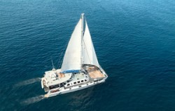 Aristocat Sailing Catamaran, Bali Cruise, Air Short