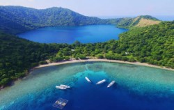 Stop at The Island,Flores adventure,Open Trip 4D3N Lombok to Flores