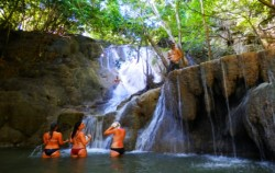 Moyo Waterfall image, Open Trip 4D3N Flores to Lombok , Flores adventure