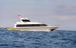 Passing the seas,Nusa penida fast boats,Crown Fast Cruises