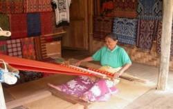 Tenun Toraja image, SOUTH & CENTRAL SULAWESI 9D8N TOUR, Toraja Adventure