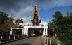 Tana Toraja Entrance Gate image, TORAJA CULTURE AND NATURE TOUR WITH RAFTING 4 Days / 3 Nights, Toraja Adventure