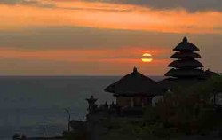 Taman Ayu Temple Sunset,Bali Sightseeing,Bedugul and Taman Ayun Temple Tour