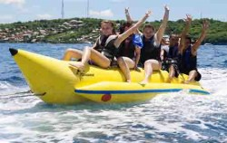 Banana Boat at Lembongan Islan,Bali Cruise,Lembongan Island Beach Club Cruise