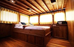 Adishree Bedroom View image, Phinisi Boat Adishree, Komodo Boats Charter