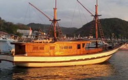 Apik Phinisi, Komodo Boats Charter, Apik Phinisi