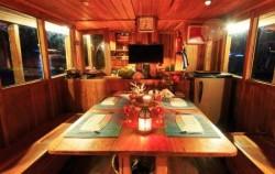 Dining Room,Komodo Boats Charter,Aqua Luna Phinisi