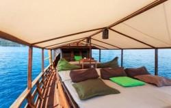 Aqua Luna Phinisi, Komodo Boats Charter, Aqua Luna Facilities
