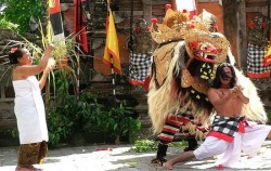 Barong and Keris Dance Perform image, Kintamani and Tirta Empul Tour, Bali Sightseeing