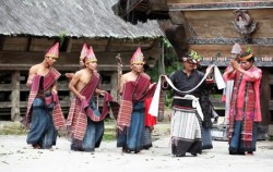 Batak Toba Traditional Dance,Sumatra Adventure,Explore Sumatra 13 Days 12 Nights