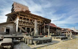 Bawomataluo Village,Sumatra Adventure,Nias Island Tour 3 Days 2 Nights