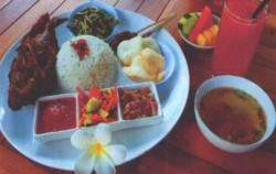 Set Menu Crispy Duck/Chicken,Bali Restaurants,Bebek Uma Dawa Restaurant