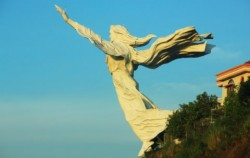 Blessing Yesus Monument image, Manado Tour 5 Days & 4 Nights Package, Manado Explore