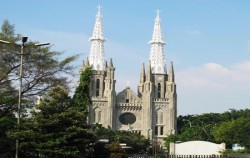 Cathedral Church,Jakarta Tour,Jakarta Discovery Tour