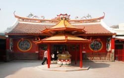Vihara Darma Bhakti,Jakarta Tour,Trails of China Town
