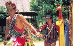 Dayak Benuaq Tribe,Borneo Island Tour,Mahakam River Tour 3 Days 2 Nights