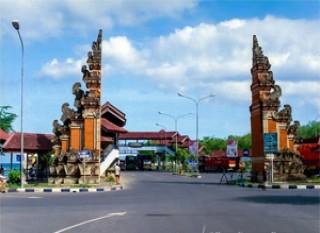 Gate in Padang Bai