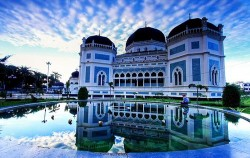 Great Mosque Medan,Sumatra Adventure,Leuser National Park Trekking 5 Days 4 Nights