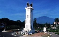 Jam Gadang,Sumatra Adventure,Minangkabau Tour 5 Days 4 Nights