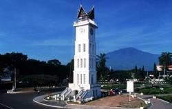 Jam Gadang image, Minangkabau Tour 5 Days 4 Nights, Sumatra Adventure