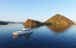 Komodo Yacht, Komodo Boats Charter, Komodo Yacht