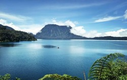 Lake Gunung Tujuh,Sumatra Adventure,Kerinci Seblat National Park Tour 6 Days 5 Nights