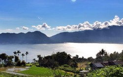 Lake Maninjau,Sumatra Adventure,Minangkabau Tour 4 Days 3 Nights
