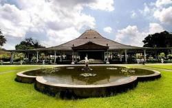 Mangkunegaran Palace,Borobudur Tour,Yogja Selayang Pandang 5 Days 4 Nights