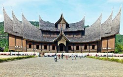 Minangkabau Palace,Sumatra Adventure,Minangkabau Tour 5 Days 4 Nights