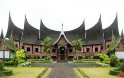 Minangkabau Traditional House,Sumatra Adventure,Kubu Primitive Tribe 6 Days 5 Nights