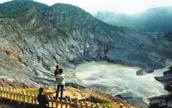 Beauty of Paris Van Java, Mount Tangkuban Perahu