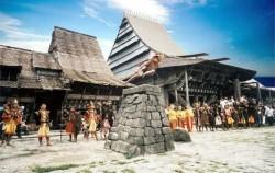 Stone Jumping image, Nias Island Tour 3 Days 2 Nights, Sumatra Adventure