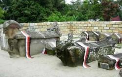 North Sumatra Special Tour 14 Days 13 Nights, Old Tomb Sidabutar Kings