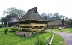 Explore Sumatra 13 Days 12 Nights, Batak Simalungun Kings