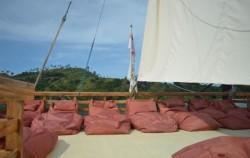 Pelicia Lounge,Komodo Boats Charter,Phinisi Felicia