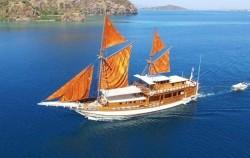 Phinisi Felicia, Komodo Boats Charter, Phinisi Pelicia