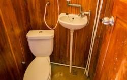 Sea Villa Bathroom image, Phinisi Sea Villa, Komodo Boats Charter
