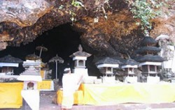 Goa Lawah Temple - Bat Cave,Bali Sightseeing,Goa Lawah and Karangasem Tour