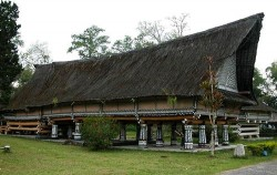 Rumah Bolon or Long House image, Exotic Nature Sumatra Tour 14 Days, Sumatra Adventure