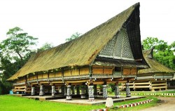 Rumah Bolon or Long House image, Grand Tour Experience 19 Days, Sumatra Adventure