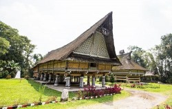 Rumah Bolon or Long House,Sumatra Adventure,Great Sumatra Adventure 16 Days