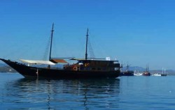 Sailing boat,Komodo Adventure,Komodo Tour Package 6D5N