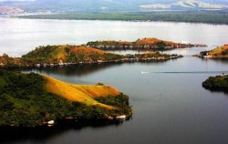 Baliem Valley Package 4 Days 3 Nights, Papua Adventure, Sentani Lake
