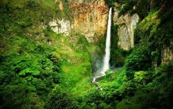 Sipiso-Piso Waterfall,Sumatra Adventure,Grand Tour Experience 19 Days