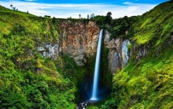 Sipiso-piso Waterfall,Sumatra Adventure,North Sumatra Special Tour 14 Days 13 Nights