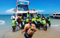 Boat Departure,Lembongan Fast boats,Sri Rejeki Express