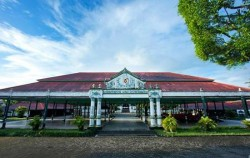 Yogja Selayang Pandang 5 Days 4 Nights, Sultan Palace