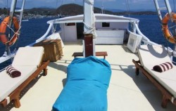 Sunbed Facilities,Komodo Boats Charter,Phinisi Warisan
