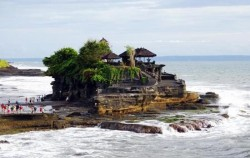 One Day Tour with Water Rafting , Bali Tour Packages, Tanah Lot Temple